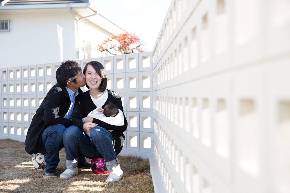 パパとママとKAZUSAちゃんの写真